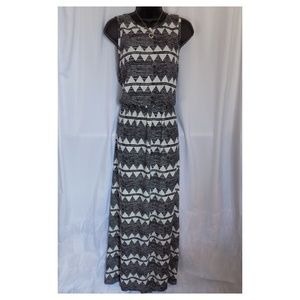 H&M Sz 14 Sleeveless Black White Maxi Dress